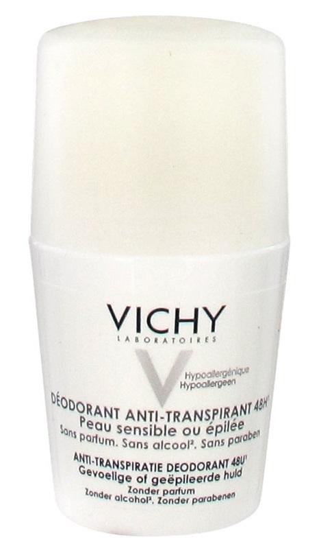 Lăn khử mùi Vichy màu trắng với ưu điểm là không có mùi, dễ sử dụng